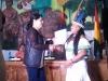 Beatriz Navi, legisladora departamental del pueblo indígena Tacana, recibe su credencial. | Foto GADP
