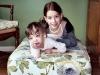 2006: Brooke de 13 años y Carly de 10.