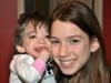2009: Brooke de 16 años y Carly de 13.