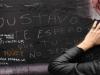 Fans de Gustavo Cerati dejan sus mensajes de afecto y dolor en las cercanías de la clínica de la Ciudad de Buenos Aires en donde falleció el músico. | Foto Maxi Failla