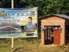 En un cartel de la Gobernación, los datos del proyecto ejecutado en Alto Bahía, junto a la casa de máquinas.   Foto Prensa GADP