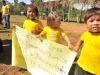 Niños de la comunidad Villa del Carmen, a orillas del río Abuná, ya cuentan con luz eléctrica las 24 horas del día. | Foto Prensa GADP