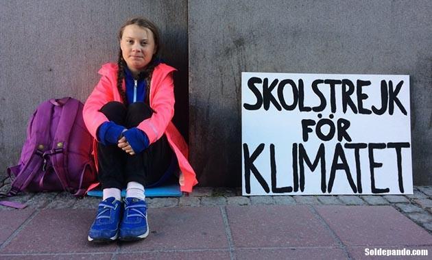 GALERÍA | Greta Thunberg en su trinchera