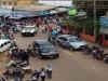 Ambulancias, carros policiales e incluso los mototaxistas se sumaron a la tarea de evacuación de los menores.