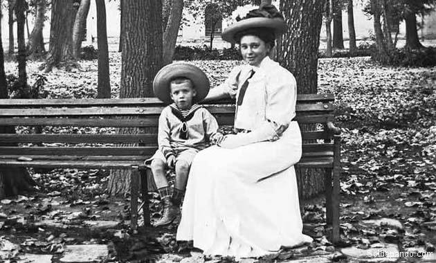 En su emancipación social, las mujeres bolivianas lucharon por mejor educación para sus hijos y seguridad para sus familias. | Foto Archivo Rodolfo Torrico Zamudio