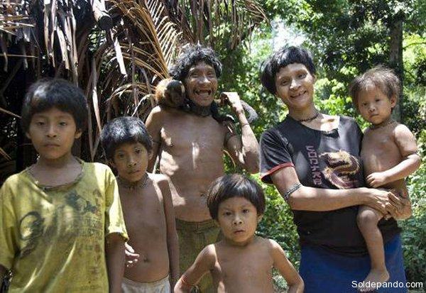 Niños del Pueblo Awás   Imágenes