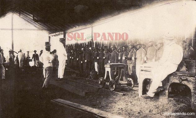 La columna comandada por capitán Federico Román y el coronel Ismael Montes, acuartelada en Porvenir.