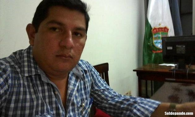 GALERÍA | Silvestre Velasco, Servidor Público