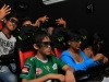 jovenes-que-visitaron-el-stand-de-viva-no-perdieron-oportunidad-de-ingresar-al-simulador-5d-de-viva