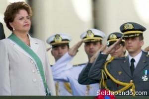 """El equilibrio civil-militar en Brasil es una institución democrática regida por las directrices del """"Libro Blanco de Defensa"""" que transparenta las estrategias de seguridad interna y externa del vecino país."""