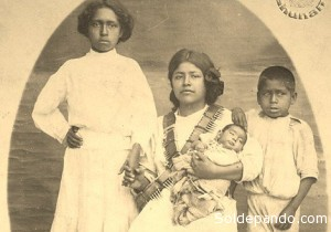 La fuerza del zapatismo radicaba precisamente en su estructura familiar, en la familia extensa que culminaba entonces con el compadrazgo, motor de la revolución del Sur. | Foto Fundación Zapata y los Herederos de la Revolución.