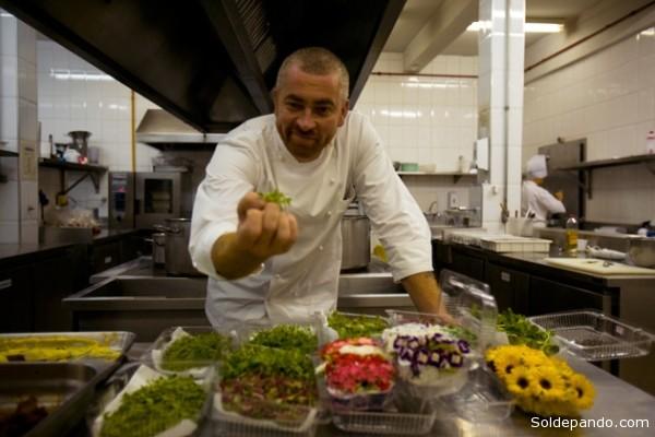 Hasta hace bien poco Brasil no existía para la alta cocina. De repente, surgió Alex Atala, el chef propietario del restaurante D.O.M, quien se ha encaramado al puesto número cuatro de la polémica (pero deseada) lista 50Best, llevando a la cocina amazónica entre las más apetecibles del mundo del mundo.