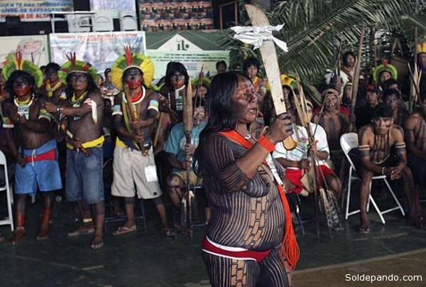 La resistencia indígena contra la construcción de la represa en Belo Monte se tensiona con una nueva intervención militar. | Foto archivo Sol de Pando