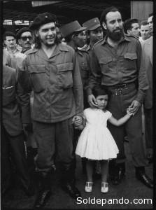 Antonio Nuñez Jiménez junto al Comandante Ernesto Che Guevara.