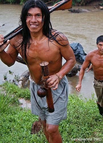 """Los indígenas Huaorani que entraron en contacto con la """"civilizavión"""", son habitualmente muy pacíficos."""