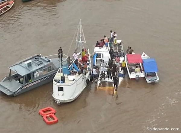 O barco tinha capacidade para transportar no máximo 25 passageiros e estava irregular.