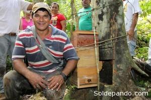 Antônio Rodrigues é morador da reserva e vive basicamente da agricultura familiar. | Foto Angela Peres