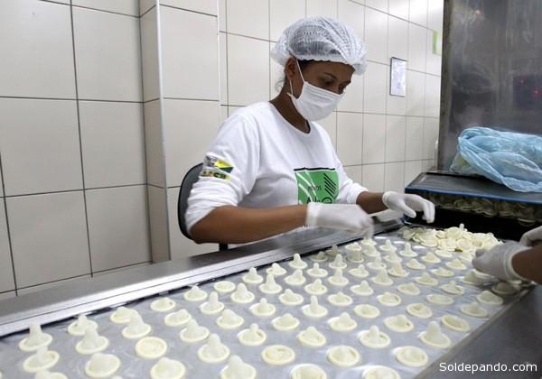 Iniciativas como o subsídio à borracha nativa, criado em 1999, e o Programa de Certificação da Propriedade Rural Sustentável, iniciado em 2010, são exemplos acreanos. | Foro Angela Peres