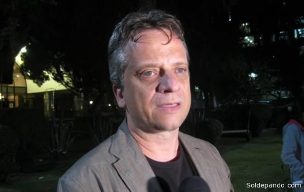 Fernando Tiburcio, abogado del senador Roger Pinto.