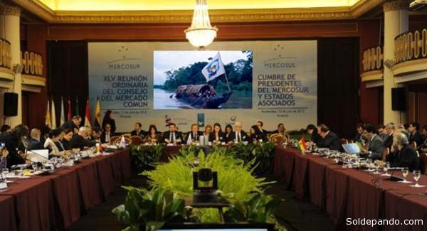 En la cuadragésima quinta sesión ordinaria del Mercosur se podría cumplir el sueño integrador de Núñez Jiménez que surcó las rutas fluviales y marítimas del Caribe y la Amazonia hace 26 años. | Fotomontaje Sol de Pando