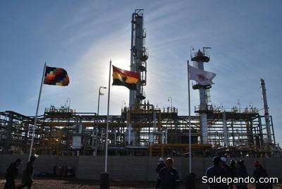 Las estaciones de regasificación, conectadas a Río Grande, serñan construidas en diferentes poblaciones de  Bolivia para iniciar el proceso de cambio de matriz energética en distintas zonas de Bolivia que actualmente no disponen de gas natural mediante la red de ductos. | Foto AN-YPFB