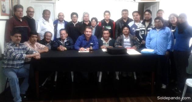 EL NACIMIENTO DE LIBOBASQUET | El pasado 24 de agosto, el Congreso Nacional de los Clubes de la Federación Boliviana de Baloncesto (FBB), aprobó por unanimidad la creación de la Liga Boliviana de Básquetbol (Libobasquet) que acogerá a 12 clubes de diferentes departamentos del país. Los clubes fundadores de la Libobasquet son: Bolmar (la Paz); CAN y Saracho (Oruro); Pichincha (Potosí); Amistad y San Matías (Sucre); La Salle (Tarija); Domingo Sabio (Santa Cruz), Peñarol y J. Plaza (Quillacollo), La Salle y San Simón (Cochabamba).