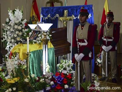 El cuerpo sin vida del subteniente Gironda fueron velados en la ciudad de La Paz. | Foto APG