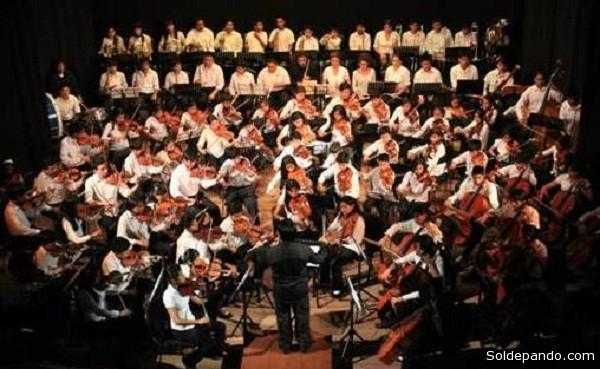 """La Orquesta Sinfónica Departamental de Tarija es una de las 10 finalistas en el Concurso """"Música para Crecer""""."""