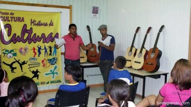 A Escola de Música do Acre (Emac) desenvolve ações de educação musical. Cerca de 300 alunos foram beneficiados na musicalização – de seis a oito anos –, e formação continuada – a partir de 13 anos. | Foto Arquivo FEM