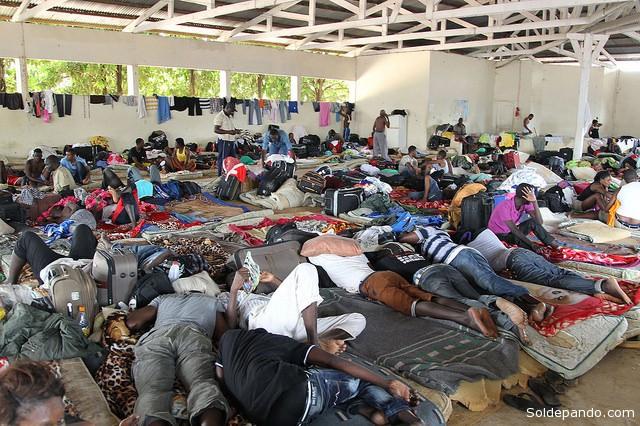 Na última semana, a coordenação estadual do abrigo montado em Brasileia, que tem capacidade para atender cerca de 300 pessoas, registrou a entrada de mais 1,2 mil haitianos.   Foto Luciano Pontes