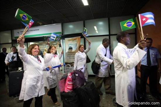 El programa Más Médicos contempla la contratación de 10.000 médicos por un plazo de tres años para llevar salud a áreas carentes, con prioridad para la contratación de profesionales brasileños, aunque el gobierno admitió incorporar a extranjeros en caso de necesidad, entre los que se destacan los médicos brasileños.