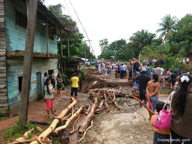 El municipio turístico de Rurrenabaque fue el más afectado por las riadas del Beni después de que el sábado casi el 70% de sus barrios fueron inundados por el desborde de los tres arroyos que atraviesan la localidad y el rebalse del río Beni. El desastre natural derivó en el deslizamiento de un cerro ubicado en la zona de la serranía, sector sur de la pequeña ciudad. | Foto Marco Takuzi