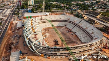 UNA OBRA QUE SIGUE INCONCLUSA El estadio Arena de la Amazonia recibirá en la primera fase del Mundial los partidos Camerún-Croacia (el 18 de junio), Inglaterra-Italia (el día 15), Estados Unidos-Portugal (el 22) y Honduras-Suiza (dos días después). A pesar de que el 14 de febrero se tiene programada una ceremonia protocolaria de entrega de las obras con la presencia de la presidenta brasileña, Dilma Rousseff, Custodio señaló que falta concluir todavía gran parte de los trabajos. | Foto Archivo Sol de Pando