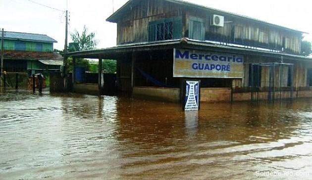 Una vista actual del municipio de Cabixi, al sur del Estado de Rondonia, donde el río Mamoré adopta del nombre de Guaporé. En la otra orilla se encuentra el municipio de Baures, provincia Iténez del Beni. | Foto ©Rondonia o Vivo.