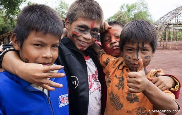 Los guaraníes de la comunidad Pyelito Kuê, que cuentan con una importante población infantil, han regresado a parte de sus territorios ancestrales tras presionar a un ganadero a marcharse. | Foto Survival