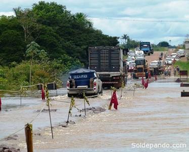 La carretera BR 319 entre los municipios de Porto Velho y Humaita. Imagen registrada el martes 4 de marzo. | Foto ©Rondonia o Vivo