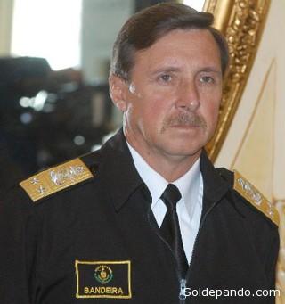 El oscuro contralmirante Rafael Bandeira que dejó una estela de corrupción y nepotismo en la Prefectura de Pando. Hoy detenta la codiciada Embajada de Bolivia en Panamá.