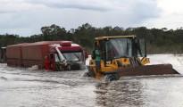 Imagen tomada por el fotógrafo acreano Sérgio vale el pasado 28 de marzo. Las aguas del río Madera se han devorado la principal carretera interestatal que vinculaba el Acre con Rondonia. | Foto Sérgio Vale | Sol de Pando