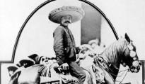 Muchas historias comenzaron después de su muerte, algunos campesinos y habitantes de la zona aseguraban que Zapata no había muerto y que se le veía montando por los cerros de la región, reflejo quizá de la esperanza perdida de recuperar sus tierras.  | Foto Fundación Zapata y los Herederos de la Revolución.