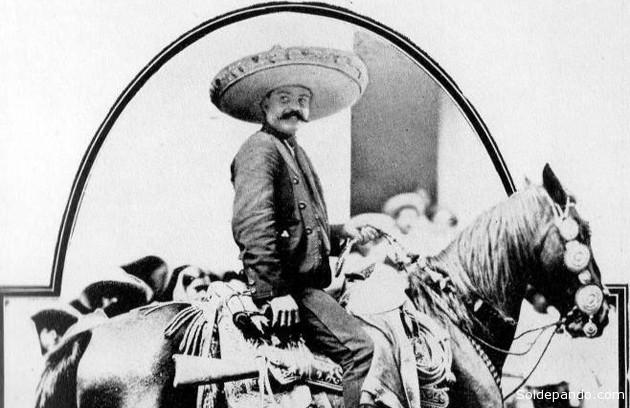 9.Muchas historias comenzaron después de su muerte, algunos campesinos y habitantes de la zona aseguraban que Zapata no había muerto y que se le veía montando por los cerros de la región, reflejo quizá de la esperanza perdida de recuperar sus tierras.  | Foto Fundación Zapata y los Herederos de la Revolución.