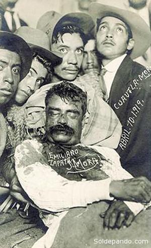 El cuerpo del Libertador del Sur fue llevado a su pueblo natal, Anenecuilco, y sus restos reposan actualmente en Cuautla, al pie de la estatua que le fue erigida. | Foto Fundación Zapata y los Herederos de la Revolución.