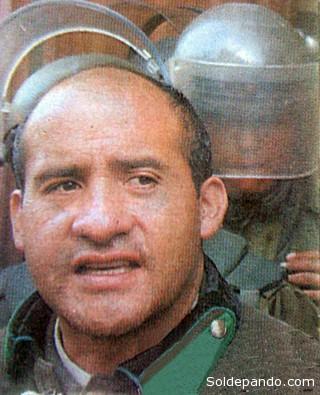 David Vargas en febrero del 2003, liderando el motín que lo enfrentó a Sánchez de Lozada.   Foto Archivo