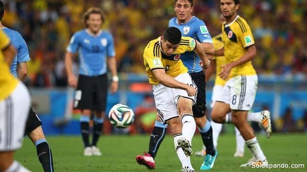 El potente zurdazo de James Rodríguez que abrió el marcador ciontra Uruguay. El joven crack colombiano sellaría el destino uruguayo con un segundo gol definitivo | Foto Guetty Images