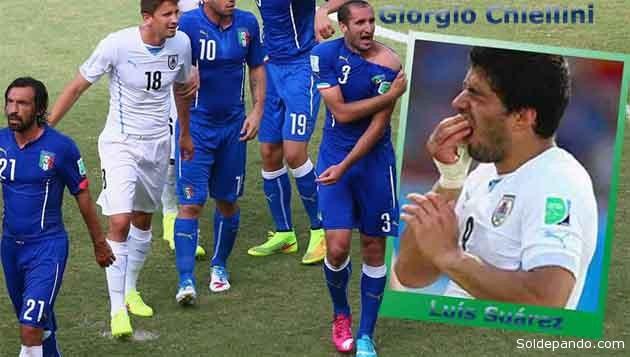 Luis Suárez mordió el hombro de Giorgio Chiellini. El árbitro no sancionó esa agresión no obstante que el italiano mostró la mordida. La Fifa podría tomar medidas contra el uruguayo pero su paías lo defiende. | Fotomontaje Sol de Pando