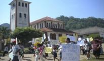 La población de Rurrenabaque está movilizada desde el año 2010 exigiendo cambiar el trazo del puente y el proyecto carretero necesarios para vincularse con San Buenaventura. | Foto Archivo
