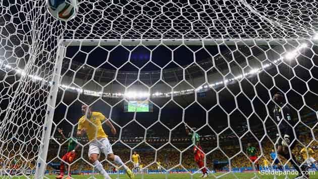 El gol histórico de Neymar, el núero cien en el centécimo partido mundialista del Brasil. | Foto © Getty Images
