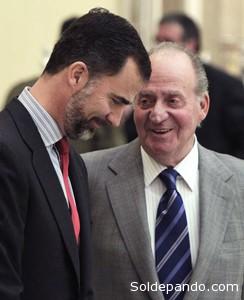 El controvertido rey Juan Carlos abdica en favor de su hijo en el peor momento de la crisis española. | Foto EFE