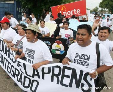 Periodistas de Montero, en Santa Cruz, durante una pasada movilización en defensa de la Ley de Imprenta | Foto Archivo