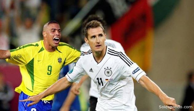 Ronaldo detentaba el récord de goles marcados en mundiales hasta después del partido entre Alemania y Ghana, el sábado, cuando Miroslav Klose alcanzó su décimo quinto gol mundialista.   Fotomontaje Sol de Pando.