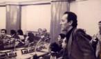 El diputado socialista Marcelo Quiroga Santa Cruz, en 1979, impulsando desde el Parlamento el juicio de responsabilidades contra la dictadura de Banzer. La respuesta a esa demanda ética fue el golpe de García Meza y Arce Gómez que contempló su asesinato.   Foto Archivo.